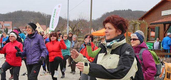 Bericht - 1 Lauf 2015 - Saisonauftakswalking in Wemding zum Ostermarkt